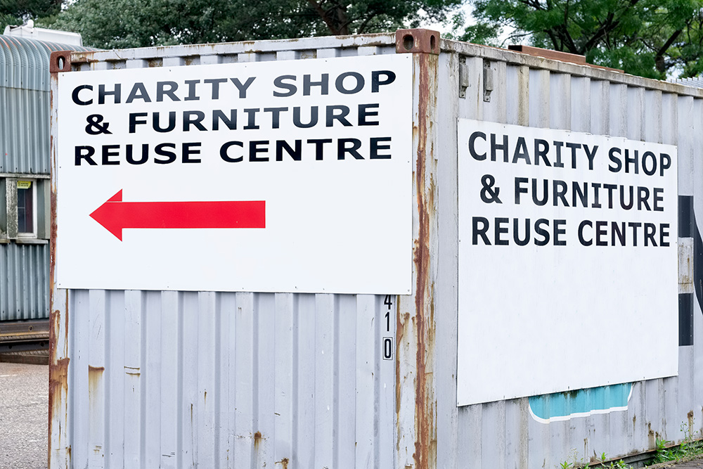 Donate Old Furnature to a Charity Center